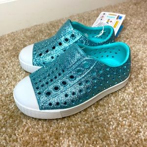 Native Jefferson Bling Kids Shoes -Size 5C